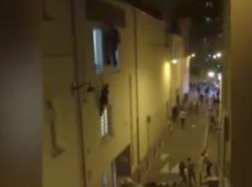 Attentati Parigi: donna incinta appesa al balcone VIDEO