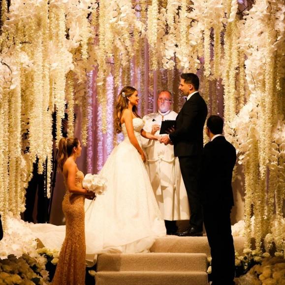 Sofia Vergara e Joe Manganiello sposi: 700 invitati, cascata di fiori3