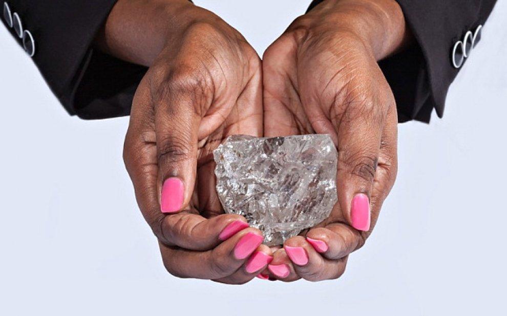 Botswana, diamante da 1111 carati: il più grande ultimi 100 anni3