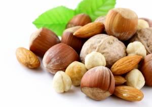 Dieta dei magri: frutta, pollo, noci e uova