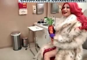 Cassandra, 200mila dollari per sembrare Jessica Rabbit VIDEO