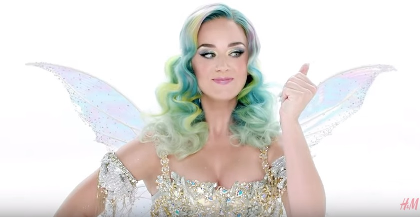 """Katy Perry """"Everyday is a holiday"""" per collezione natalizia H&M"""