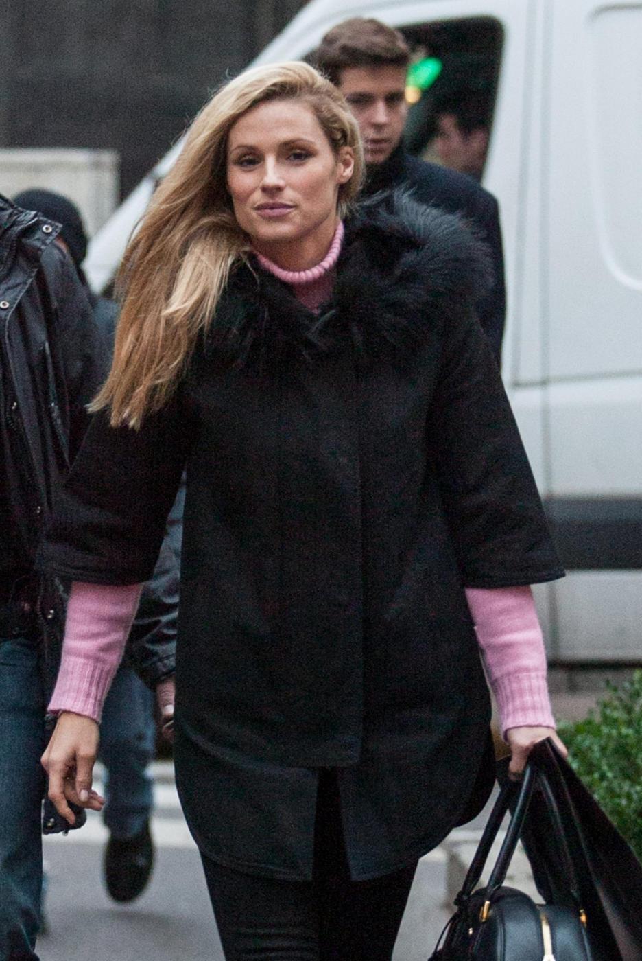 Michelle Hunziker a Milano: volto stanco, troppo lavoro11