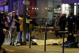 Attentati Isis a Parigi: almeno 120 morti e 200 feriti