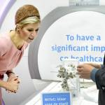 Regina Maxima d'Olanda: chic in tubino rosa e tacchi FOTO
