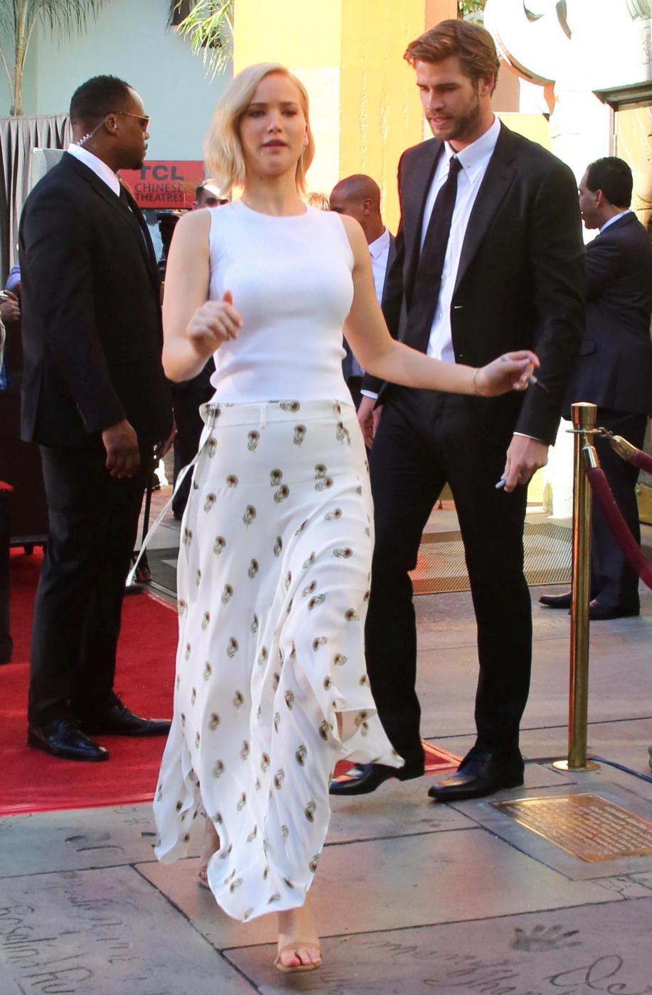 Jennifer Lawrence: look total white a Hollywood FOTO 6