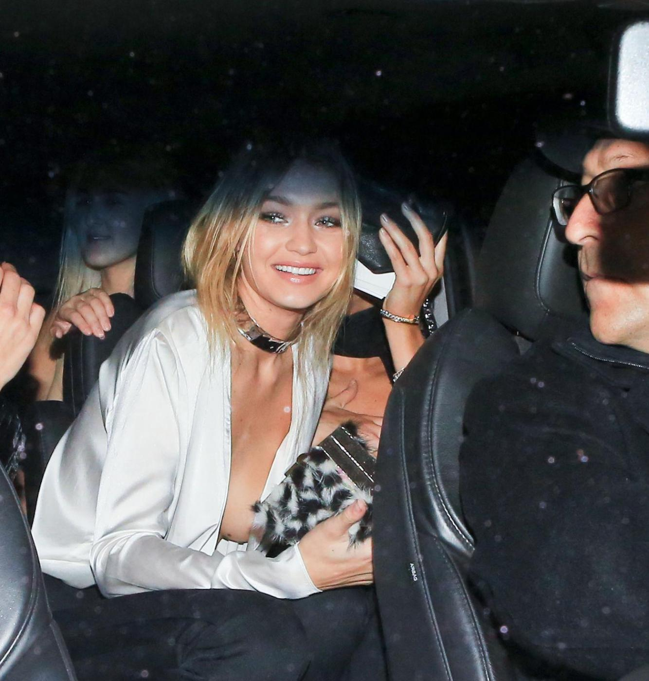 Gigi Hadid senza reggiseno al compleanno di Kendall Jenner FOTO 7