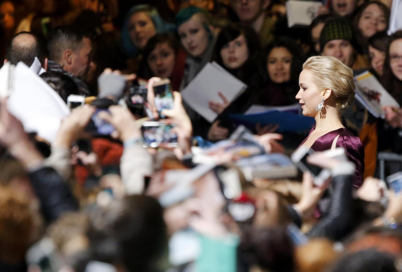 Jennifer Lawrence, scollatura estrema in Christian Dior FOTO