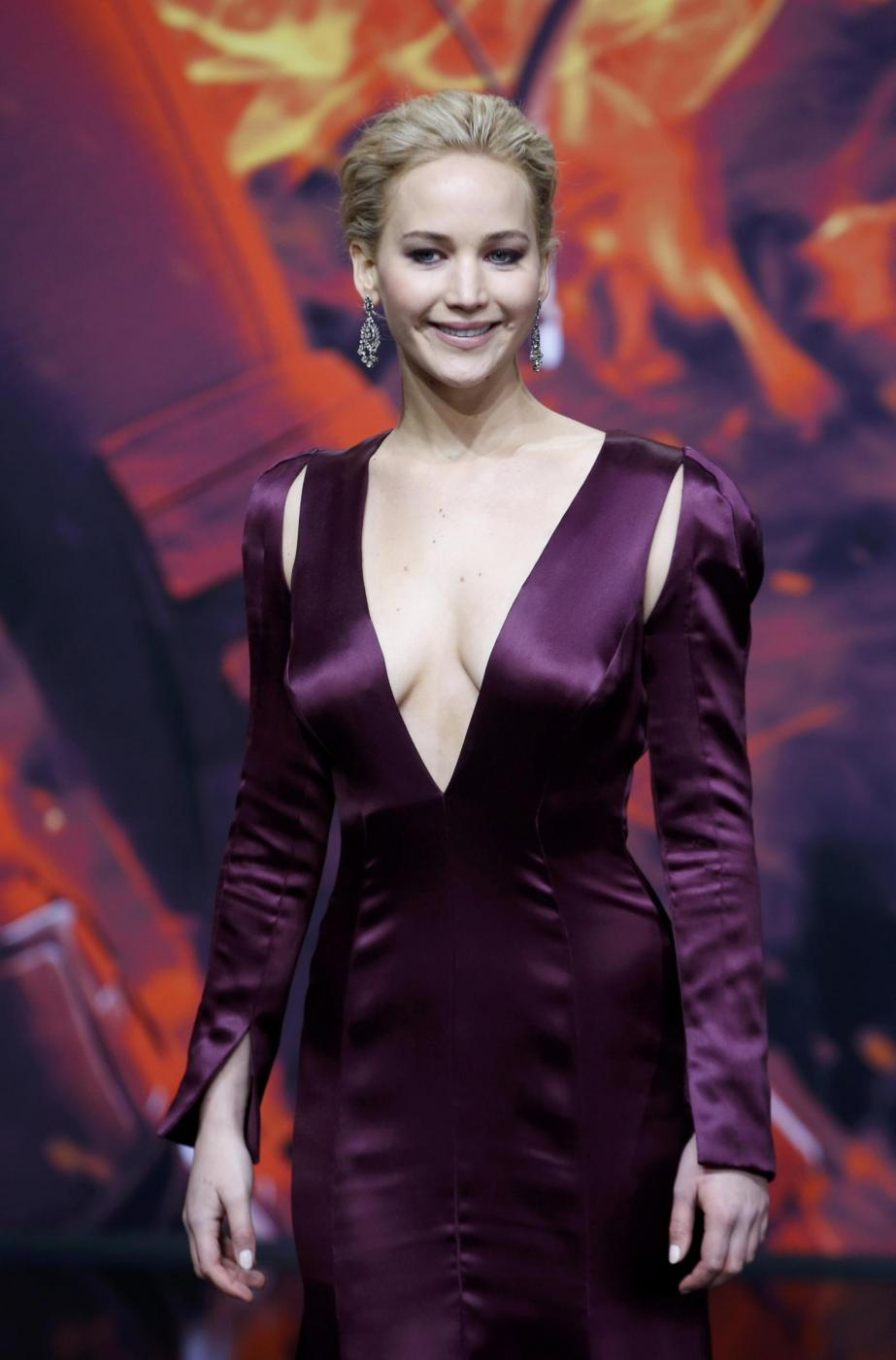 Jennifer Lawrence, scollatura estrema in Christian Dior FOTO 4