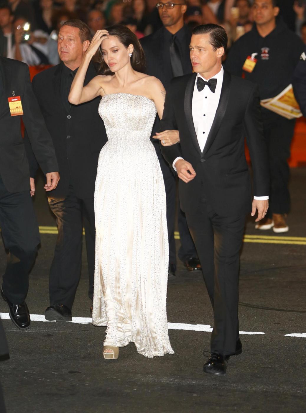 """Angelina Jolie, abito Versace alla prima """"By the sea"""" FOTO/VIDEO 1"""