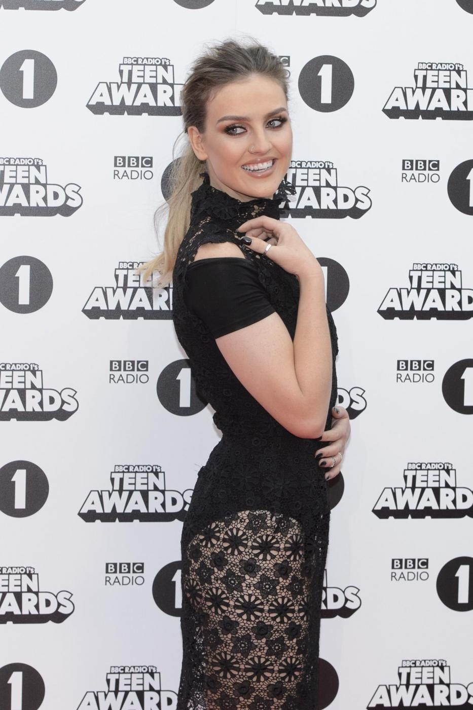 Perrie Edwards, ex Zayn Malik sensuale ai Teen Awards 2015 FOTO 4