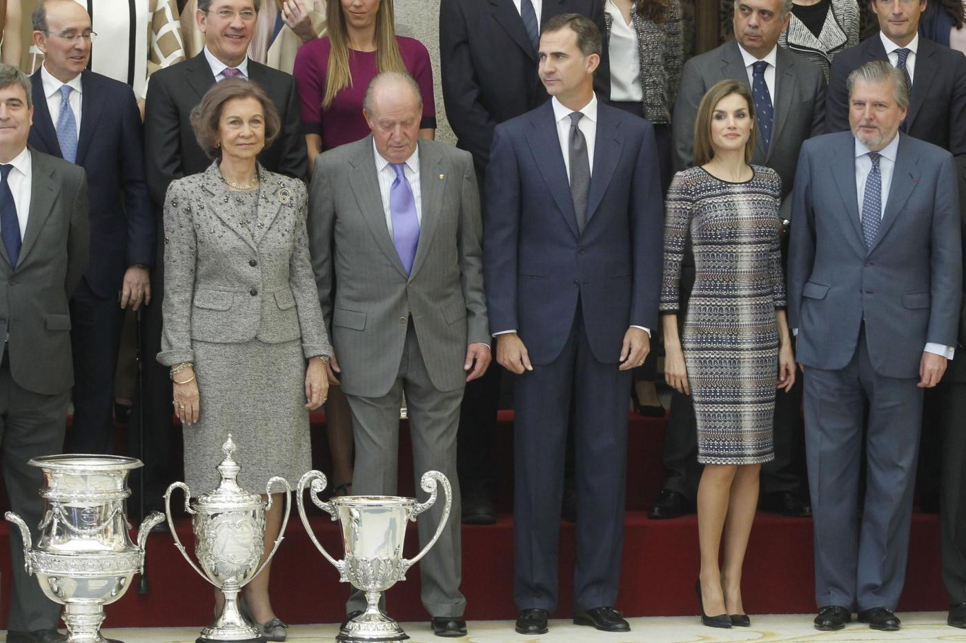 Letizia Ortiz, Melissa Satta: tubini e gambe in vista FOTO