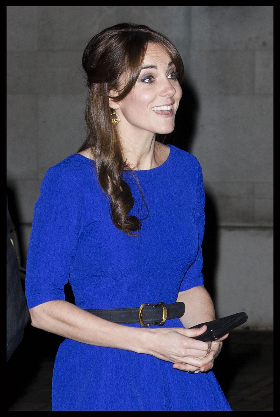 Kate Middleton, abito da 555 sterline firmato Saloni FOTO 3