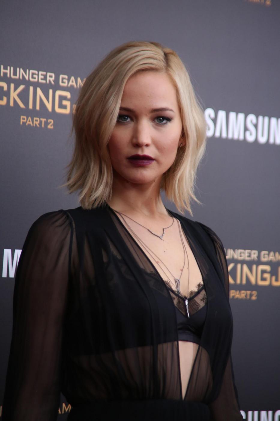 Jennifer Lawrence: reggiseno in bella vista a New York FOTO