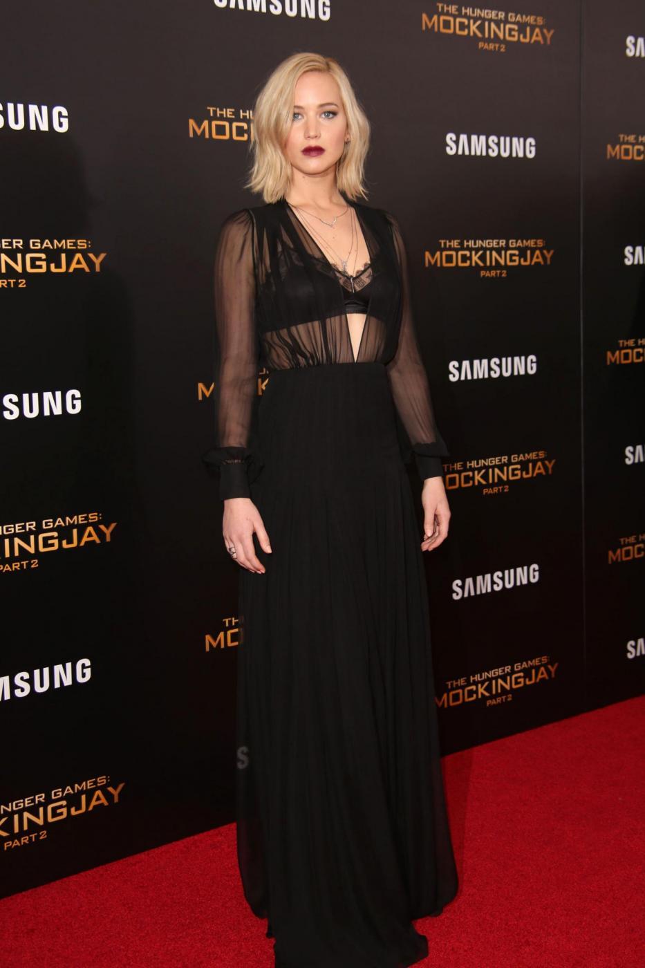 Jennifer Lawrence: reggiseno in bella vista a New York FOTO 5
