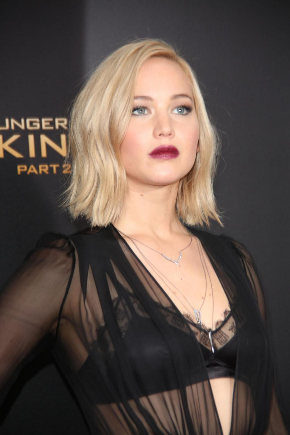 Jennifer Lawrence: reggiseno in bella vista a New York FOTO gg