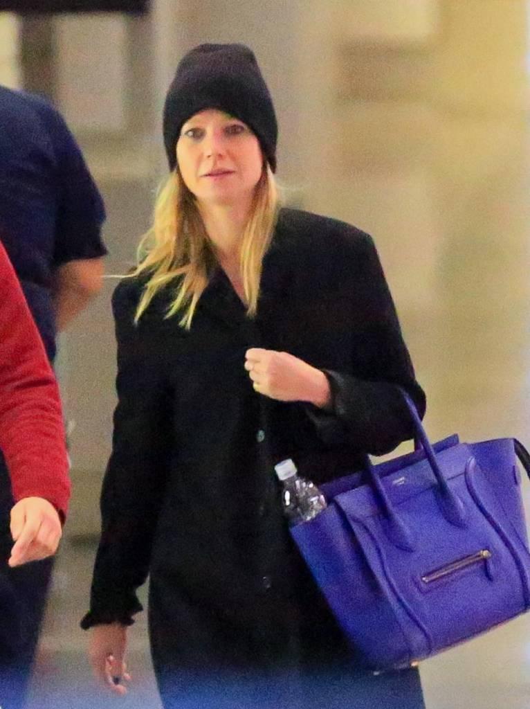 Gwyneth Paltrow senza trucco all'aereoporto