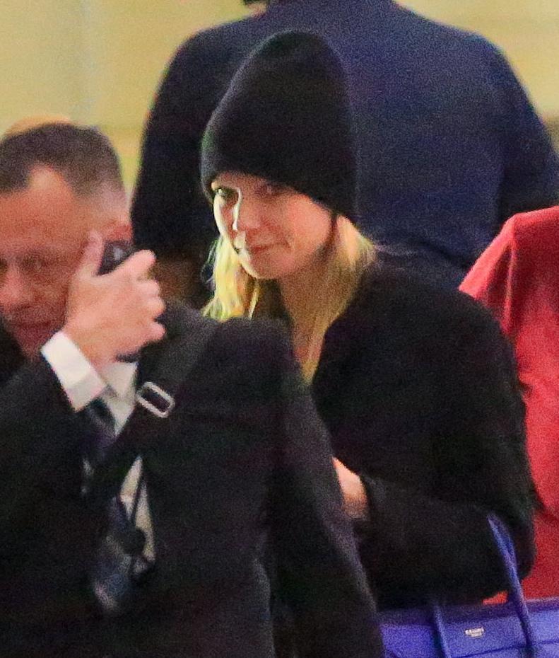 Gwyneth Paltrow senza trucco all'aereoporto12