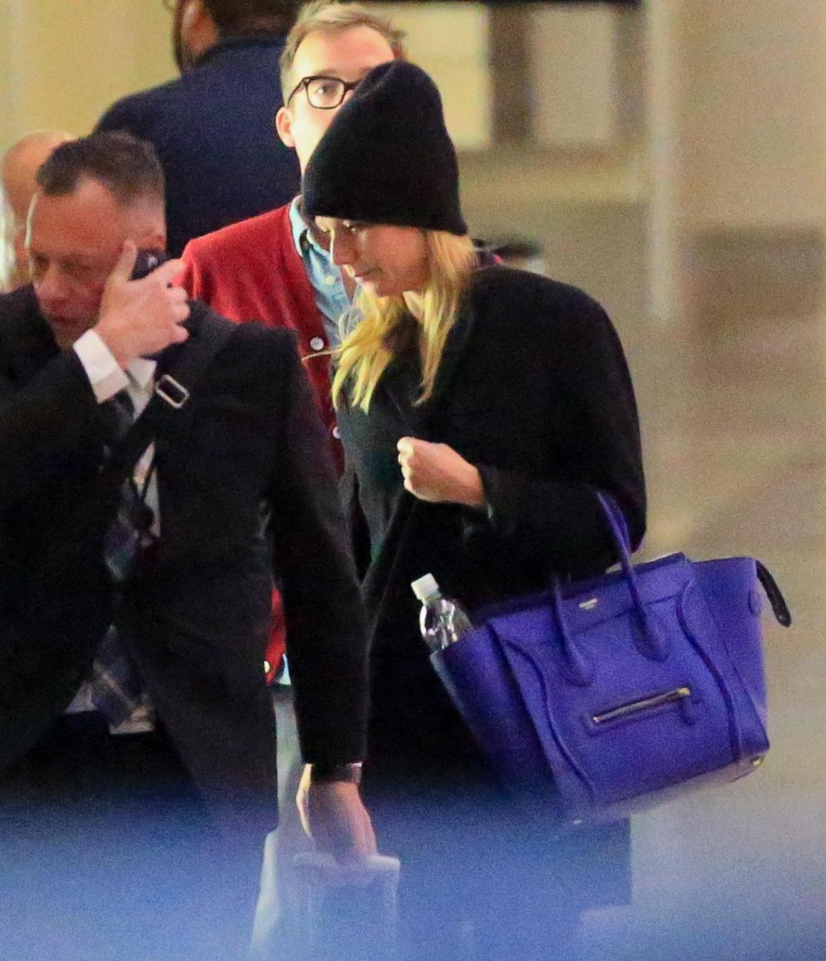 Gwyneth Paltrow senza trucco all'aereoporto15