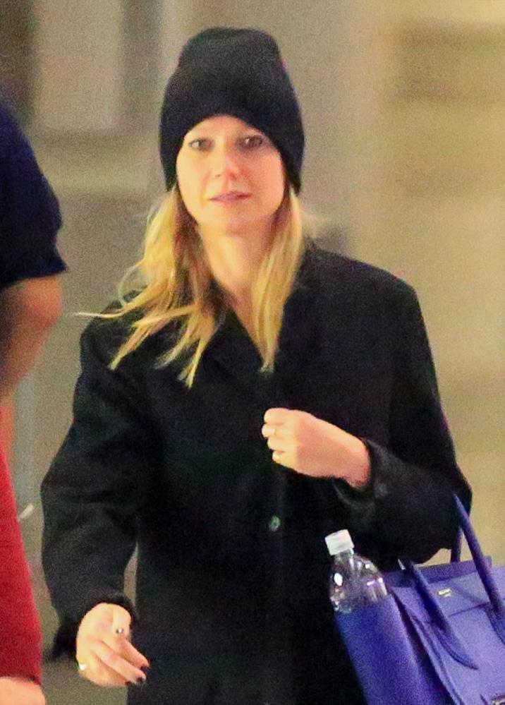 Gwyneth Paltrow senza trucco all'aereoporto5