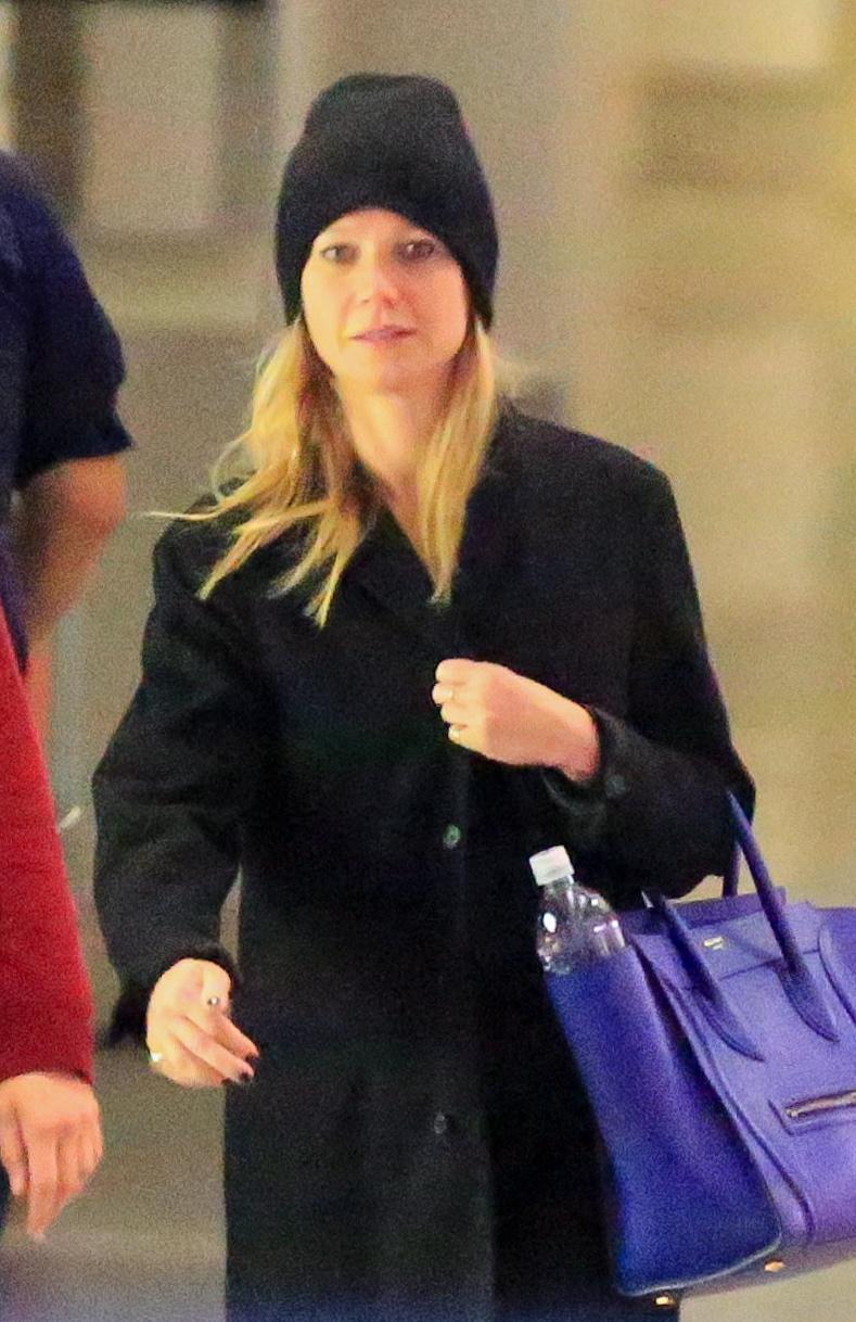 Gwyneth Paltrow senza trucco all'aereoporto7