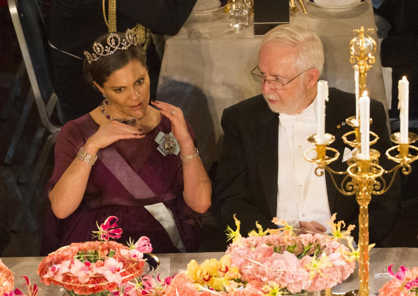 Nobel, principessa di Svezia incinta con abito a vita alta12