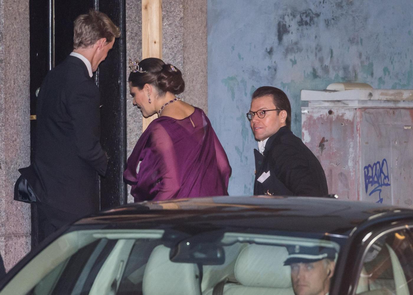 Nobel, principessa di Svezia incinta con abito a vita alta9