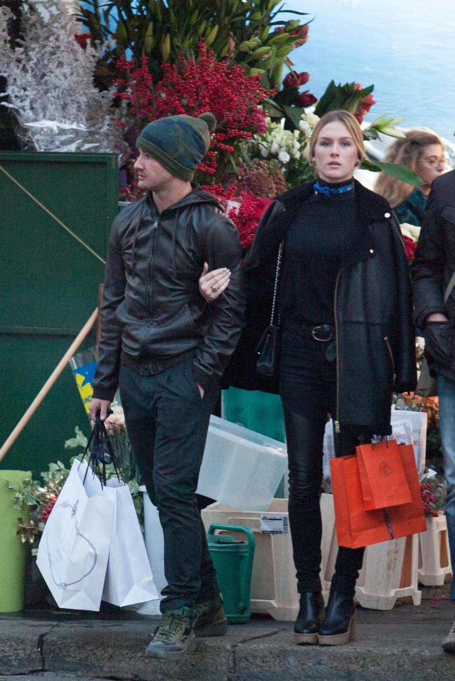 Pato, shopping a Milano con fidanzata Fiorella Mattheis5