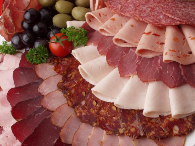"Cancro e Alzheimer ""causati da carne di maiale"", dice medico"
