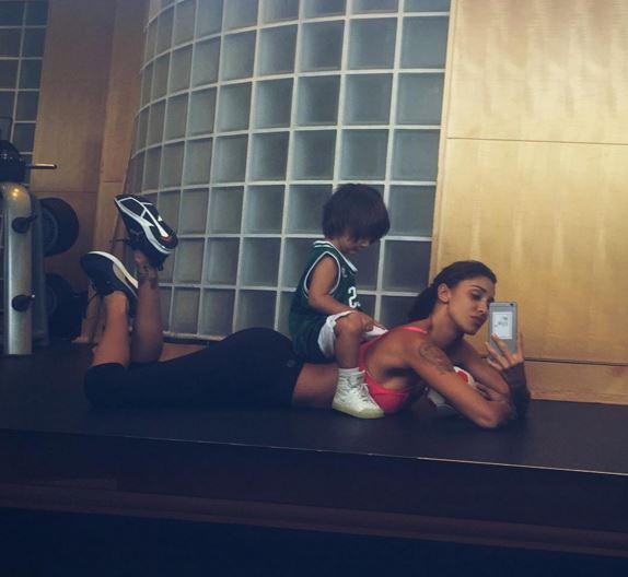 Elisabetta Canalis, Belen Rodriguez: mamme vip più sportive FOTO