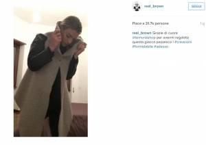 Emma Marrone: mantellina firmata Lemuria contro il freddo FOTO