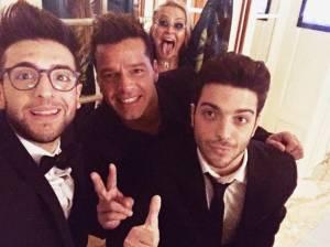 Gianluca Ginoble (Il Volo) selfie con Ricky Martin FOTO