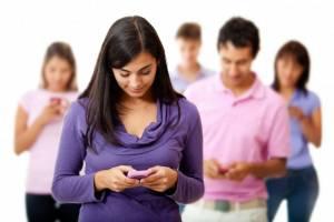 """""""iPhone rovina schiena e umore"""": è la """"iGobba"""" da smartphone"""