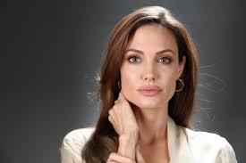 Angelina Jolie criticata dagli animalisti, proprio lei: ecco perchè