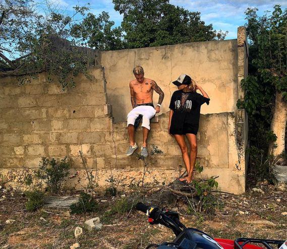 Justin Bieber in vacanza con una misteriosa bionda...FOTO