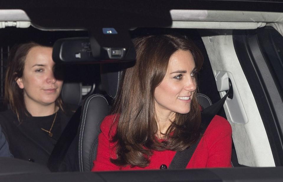 Kate Middleton, abito Luisa Spagnoli nell'auto con George
