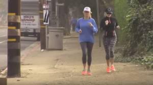 Reese Witherspoon iperattiva: corsa e pranzo con amica