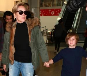 Sharon Stone, look casual al ritorno dalle vacanze 9