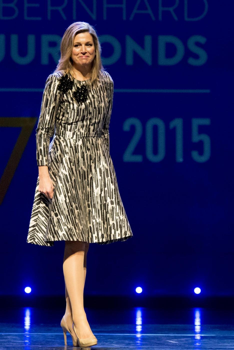 Maxima d'Olanda o Kate Middleton? Look invernali più belli FOTO