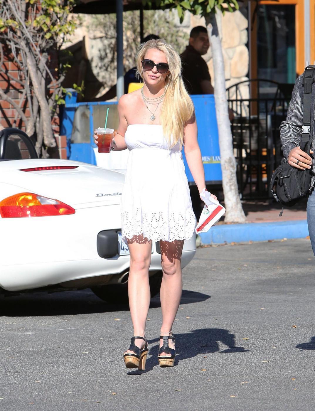 Britney Spears sempre più magra FOTO