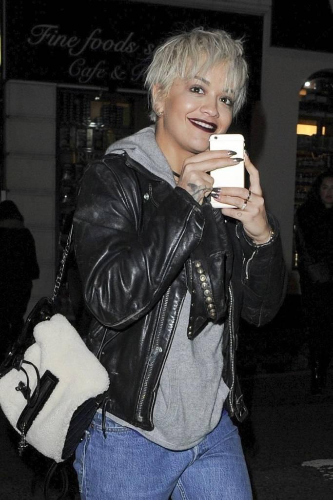 Rita Ora con i capelli corti: ecco il nuovo look FOTO