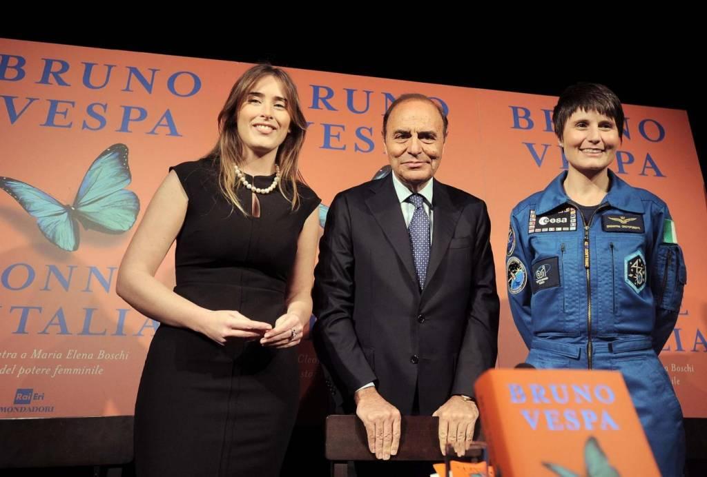 Maria Elena Boschi look: tubino nero aderente FOTO 234