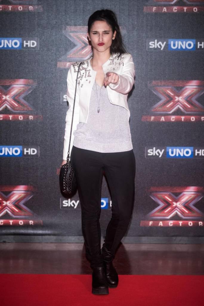 Lodovica Comello: look casual alla finale X-Factor FOTO