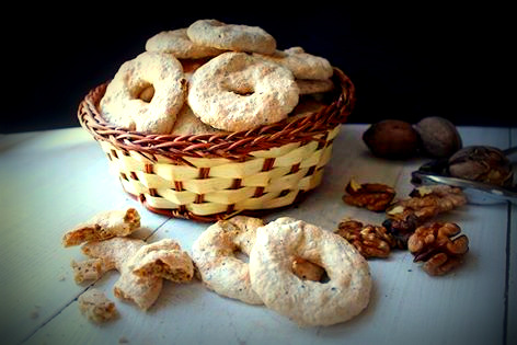 Biscotti alle noci senza glutine, latte e burro.