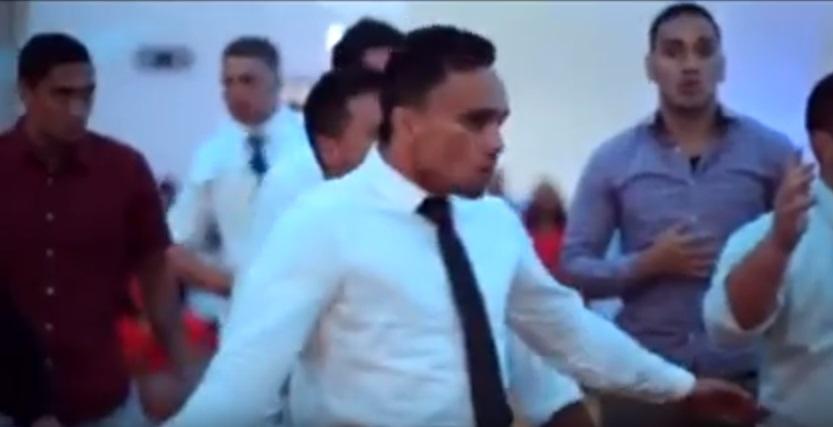 Matrimonio In Nuova Zelanda : Ballano haka a nozze in nuova zelanda sposa si commuove