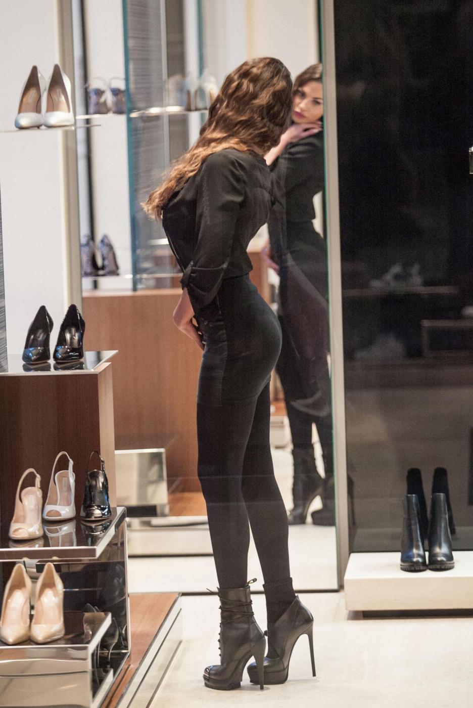 Barbara Guerra, gambe sensuali e lato B in mostra 120