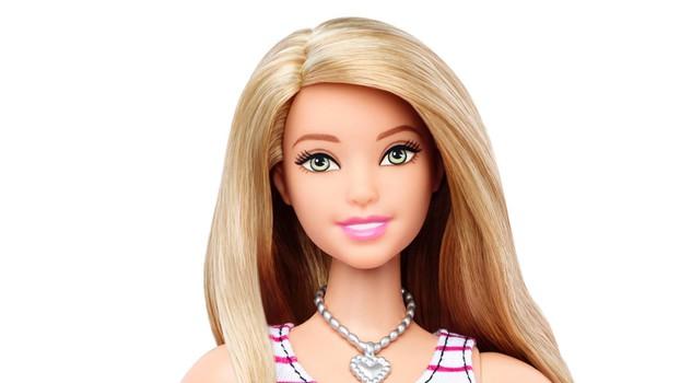 "Barbie ""curvy"", la bambola Mattel diventa ""normale"