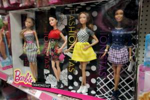 "Barbie ""curvy"", la bambola Mattel diventa ""normale9"