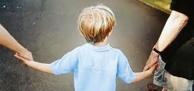 Bambini si sentono sempre più brutti e grassi. Colpa della tv?