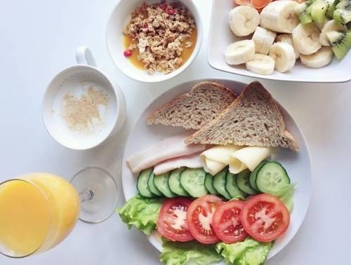 Diete, la top ten: in testa la Dash, contro ipertensione